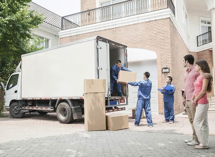Make Your Next Move Easier With The Help Of Professional Movers